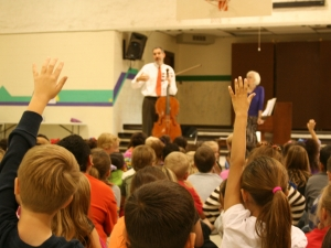 Evan Drachman and Doris Stevenson perform for schoolchildren - NM