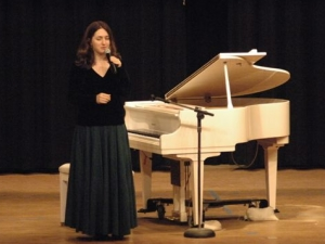 Simone Dinnerstein performs in Grapeland, TX